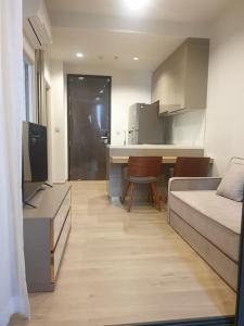 For RentCondoOnnut, Udomsuk : B008 Quinn Sukhumvit 101 for rent. 1 bed 35 sqm. 11 floor. Pool view.
