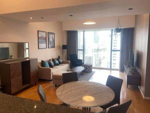 เช่าคอนโดสาทร นราธิวาส : B019 The Met Sathorn 2 bed 93.65 sqm. 11 floor.