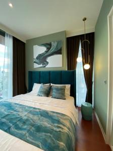 เช่าคอนโดสุขุมวิท อโศก ทองหล่อ : B021 KHUN by YOO 2 bed 82 sqm. 16 floor.
