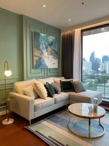 เช่าคอนโดสุขุมวิท อโศก ทองหล่อ : B022 KHUN by YOO 2 bed 82 sqm. 17 floor.