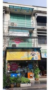 For RentShophousePha Nakorn, Yaowarat : BS757 Commercial building for rent, 3 and a half floors, Dinso Road, Phra Nakhon District, near Wat Bowonniwet Vihara.