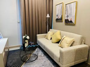 For RentCondoRama9, RCA, Petchaburi : For rent The esse at Singha complex, new room, beautiful decoration, good price