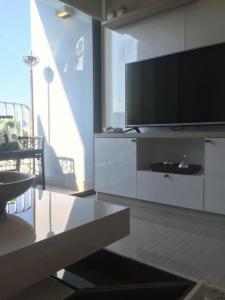 For RentCondoSukhumvit, Asoke, Thonglor : DOWNTOWN Sukhumvit 49 (pet friendly project) Cozy Style, quiet room like home 🔥 For Rent 🔥