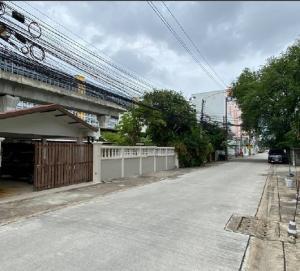 For RentHouseRama9, RCA, Petchaburi : RH592ให้เช่าบ้าน 2 หลัง รีโนเวทใหม่ 162 ตรว 290 ตรม ใกล้เดอะไนน์ พระราม 9
