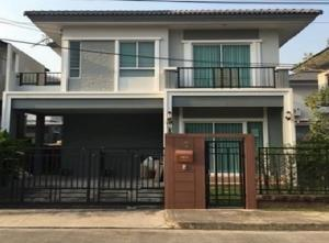 For RentHousePattanakan, Srinakarin : For Rent 2 storey detached house for rent, Passorn Prestige Village, Luxe, Soi Phatthanakan 38, beautiful house, fully furnished, 4 air conditioners, living, pets are not allowed.