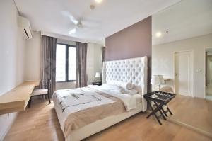 เช่าคอนโดพระราม 9 เพชรบุรีตัดใหม่ : 🌟 <เช่า> Villa Asoke 🌟 1ห้องนอน 1ห้องน้ำ 52 ตร.ม. ชั้นสูง แต่งสวย เฟอร์ครบ 50 เมตร ถึงMRTเพชรบุรี 17,000 บาทต่อเดือน