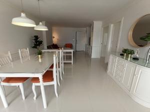 For RentCondoSamrong, Samut Prakan : FOR RENT! Thana City Nouvelle Condo, newly renovated, fully furnished / @line chuenjit.j