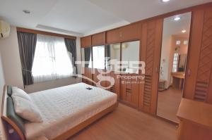 For RentCondoSukhumvit, Asoke, Thonglor : MSCR91 3-bedroom condo for rent at Royal Castle Sukhumvit 39