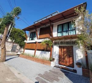 ขายบ้านเชียงใหม่ : C9MG100252 ขาย Pool Villa 2 ชั้น 3 ห้องนอน 4 ห้องน้ำ เนื้อที่ 42 ตร.ว.