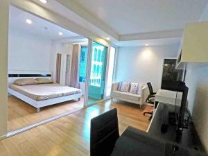 For RentCondoSilom, Saladaeng, Bangrak : Focus on Saladaeng for rent 1 bedroom 1 bathroom 32sq.m. floor 3 price 18,000THB/month Corner unit Fully furnished, Ready move in near MRT Silom