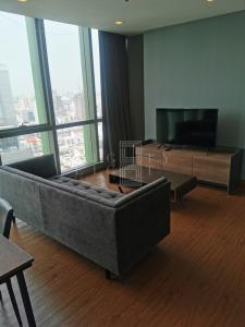 For RentCondoRatchathewi,Phayathai : For Rent Wish Signature Midtown Siam (68 sqm.)