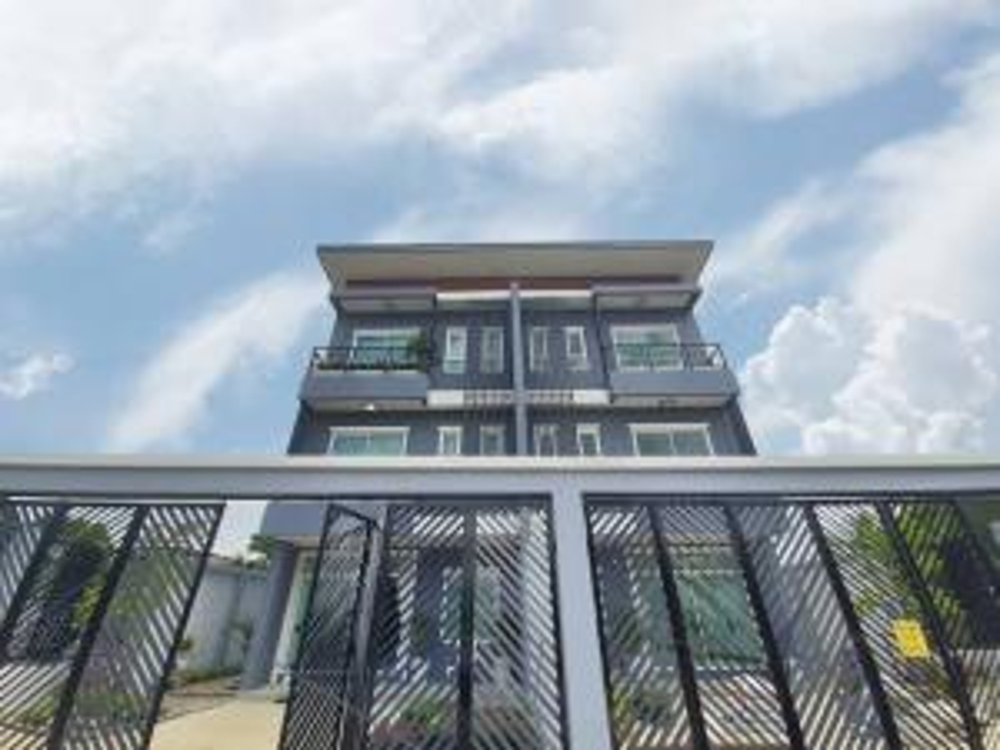For SaleTownhouseRamkhamhaeng, Hua Mak : Townhome for sale, Ramkhamhaeng 118, intersection 46-3 (in the village of Pruksa)