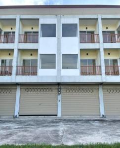 ขายตึกแถว อาคารพาณิชย์สระบุรี : อาคารพาณิชย์ 3 ชั้น ทำเลดี