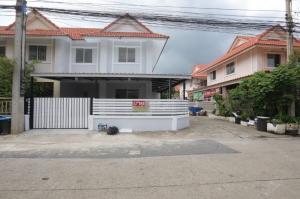 ขายบ้านรังสิต ธรรมศาสตร์ ปทุม : HM-0200 ขายทาวน์เฮ้าส์ บ้านพฤกษา C รังสิต-คลอง 3 (Baan Pruksa C Rangsit-Klong 3) บ้านหลังมุม พื้นที่เยอะ อากาศถ่ายเทสะดวก พึ่งรีโนเวทใหม่เอี่ยมม