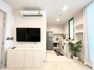 For RentCondoWitthayu,Ploenchit  ,Langsuan : 🔥Life one wireless 🔥 Special price , Nicely decorated , high floor //@Friendcondo