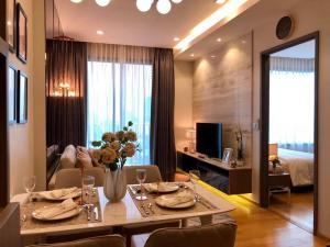 เช่าคอนโดสุขุมวิท อโศก ทองหล่อ : B034 Keyne by Sansiri 1 bed 54 sqm. high floor. Corner unit.