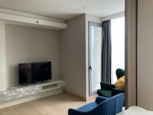 For RentCondoKhlongtoei, Kluaynamthai : CONDO FOR RENT!!! Siamese Queen Exclusives 1 Bedroom 35.4 sqm (Full Commission)