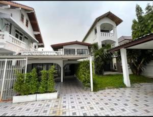 For RentHouseRama9, RCA, Petchaburi : House for rent in Soi Rama 9 Soi 51 Soi 10 AOL-F81-2107004233.