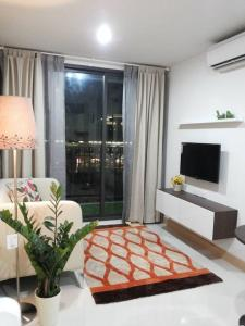 For RentCondoOnnut, Udomsuk : Condo for rent, The President Sukhumvit 81, 5th floor, Building B, has a washing machine and water filter, near BTS On Nut
