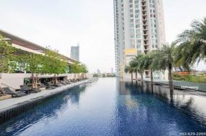 For RentCondoWongwianyai, Charoennakor : Condo for rent, Watermark Chao Phraya River, 3 bedrooms. price 190,000 baht.