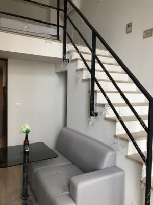 For RentCondoWongwianyai, Charoennakor : The room is empty! Loft room, high ceiling, 2 floors, near BTS Wongwian Yai, only 10 minutes to Sathorn