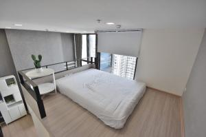 For RentCondoRama9, RCA, Petchaburi : RACR07 1-bedroom Duplex condo for rent at Chewathai residence asoke, Very nice room and convenience location A 300 m. to MRT, 400 m. to central rama9.
