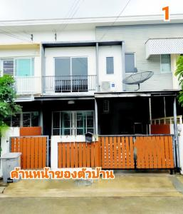 For RentTownhouseChengwatana, Muangthong : BH1120 Townhouse for rent, 2 floors, 2 bedrooms, 1 dressing room, 2 bathrooms, The Connect 1 village, opposite the lake. Behind the football stadium, Muang Thong Thani, Pak Kret District, Nonthaburi