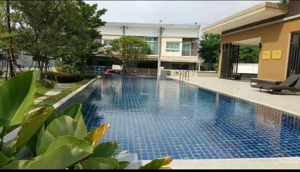 For RentTownhousePattanakan, Srinakarin : 2 storey townhouse for rent in Village of Willet Lai Phatthanakan 44.