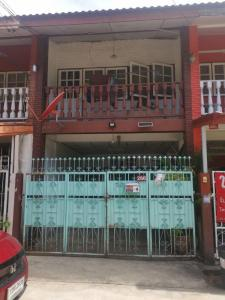 For SaleTownhouseLadprao101, The Mall Bang Kapi : H438-Sale with tenant 2-storey townhouse, Chatkaew Village, Bangkapi, near The Mall Bangkapi.