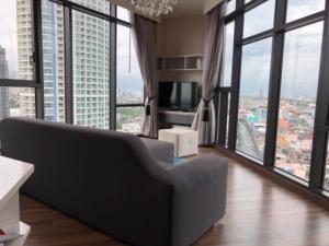 เช่าคอนโดอ่อนนุช อุดมสุข : Double View ( Dragon Head) luxurious decorated 1 bedroom on 17th. fl.