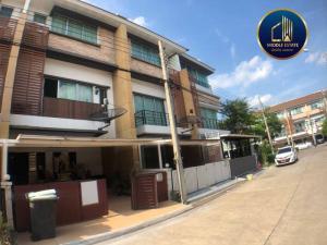 For RentTownhousePattanakan, Srinakarin : Townhome for rent Town Plus Village, Rama 9, Krungthep Kreetha Soi 7