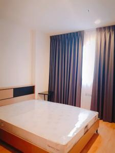 For RentCondoRama9, RCA, Petchaburi : Condo for rent Ideo New Rama9 BA21_07_168_05 furniture and electrical appliances. Ready to move in, price 13,999 baht