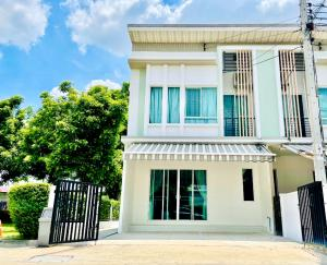 For RentTownhouseNawamin, Ramindra : Townhouse for rent.Close Fashion Island/Kuborn/Ramintra km.8/Safari world/Chatuchot/Nawamin 26,000 baht.Full furnished ready to move in,clean & beautiful