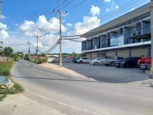 For SaleShophouseNakhon Pathom, Phutthamonthon, Salaya : Commercial building for sale, new, second-hand, 2 floors, 30 square meters.
