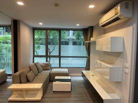 For SaleCondoSukhumvit, Asoke, Thonglor : M3655-Condo for sale, The Room Sukhumvit 40, near BTS Ekkamai, has a washing machine. Fully furnished, ready to move in