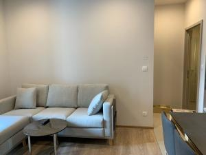 For RentCondoSukhumvit, Asoke, Thonglor : 20% off on the 1st month rent! 2BR @ Oka Haus by Nestcovery Realty