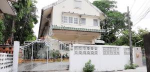 For SaleHouseOnnut, Udomsuk : House for sale, 3 bedrooms, Sukhumvit 65, Wattana district, area 105 sq m.
