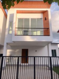 ขายบ้านเชียงใหม่ : ขายบ้าน สร้างใหม่ ใกล้แยกหนองจ๊อม เข้าซอยไม่ลึก ราคาไม่ถึง2ล้าน