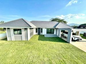 ขายบ้านเชียงใหม่ : ขายบ้านหลังใหญ่ ในที่ดินจัดสรร ไม่แออัด ไม่เสียค่าส่วนกลาง สันทราย เชียงใหม่