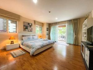 For RentCondoChiang Mai : Condo for rent, Panna Nimman. The best location in Chiang Mai!