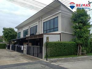 For SaleTownhouseThaphra, Wutthakat : express!!!! Townhouse for sale, corner plot, never lived, new condition, Casa City Village, Sathorn-Kalapaphruek 18 wa, price negotiable