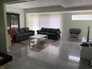 For RentHouseSukhumvit, Asoke, Thonglor : LBH0197 Fully furnished detached house in Soi Methi Niwet. (near Sukhumvit 24) 3 minutes walk to BTS Phrom Phong