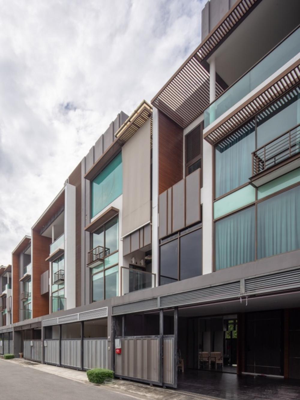 For SaleTownhouseOnnut, Udomsuk : Sale Residence Sukhumvit 65 Townhome 4 floors 24 million