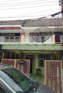 For RentTownhouseRatchadapisek, Huaikwang, Suttisan : 2-storey townhouse for rent, Huai Khwang-Sutthisan area, located on Soi 20 June, 5th junction, very convenient transportation, good atmosphere, quiet, not crowded.
