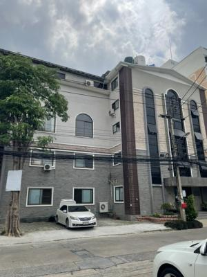 For SaleOfficeLadprao101, The Mall Bang Kapi : Office for sale at ladprow140 land area 201 sqwUsing area 2,400 sqm near Bts near the Mall Bangkapi please call 081-7329399k.TikLine id: Tikproperty
