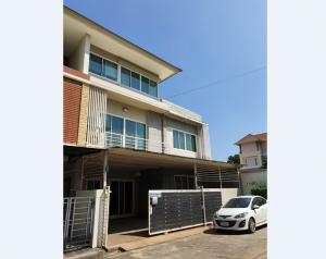 For RentTownhouseRamkhamhaeng, Hua Mak : Town Home For Rent located Srinakarin Area, Near Airport Link Hua Mak Station