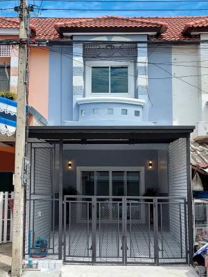 For SaleTownhouseBangbuathong, Sainoi : 🏡 New property, good location, main road, can be traded 👉 Piyawararom Phase 3 👈1.49 million 📪 16 sq m 3 bedrooms, 2 bathrooms, Bang Kruai, Sai Noi, Nonthaburi, completely renovated.