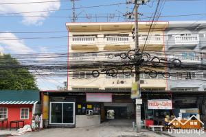 For SaleShophouseBang Sue, Wong Sawang : 4-storey commercial building, Prachaniwet intersection, 3 corner plots, good location, suitable for trading and living.