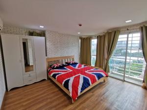 For RentCondoRama9, RCA, Petchaburi : SOS!!! PG CONDO 75sq.m2Bedroom2bathroom 19,900 baht. So awesome.