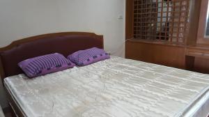 For RentCondoSathorn, Narathiwat : Pet friendly condo for rent at ITF Silom Palace [ITF Silom Palace] near BTS Chong Nonsi (450 m.) and MRT Sam Yan (800 m.)